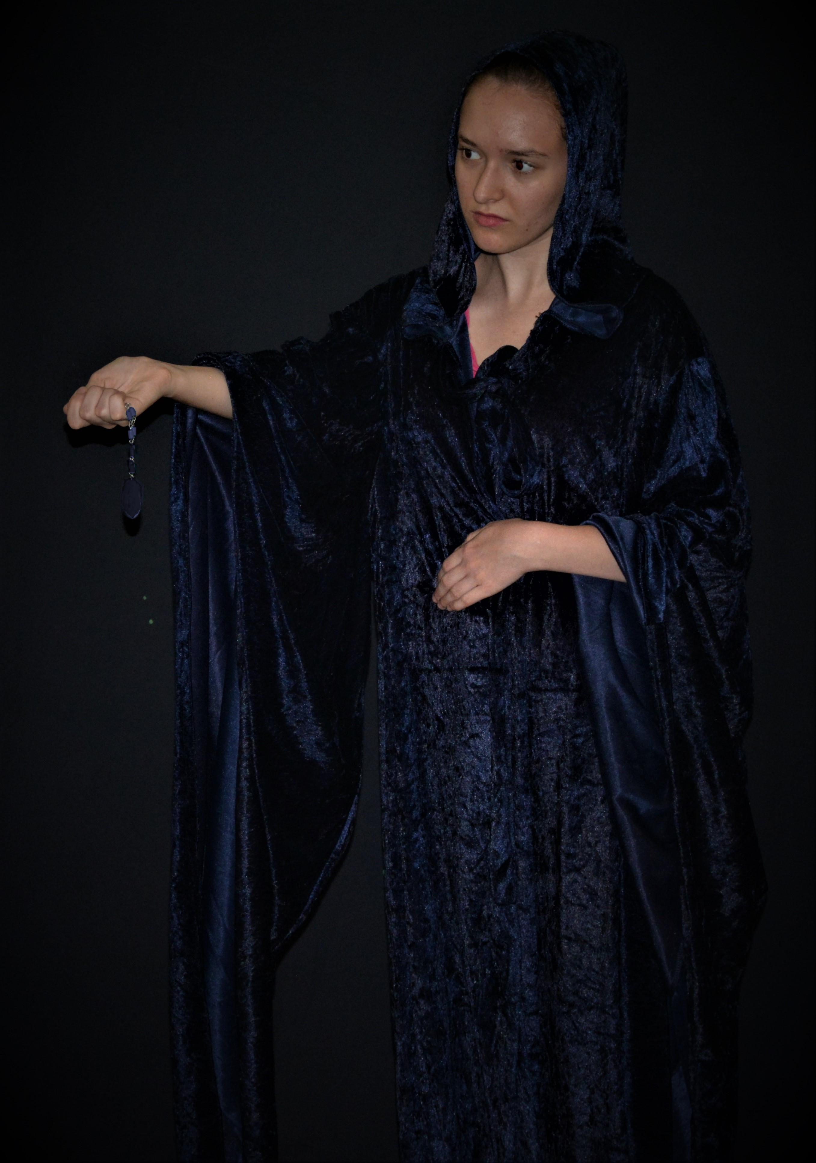 Kaitlyn as tuath dé danann for Rita Walker argillite stone (2)