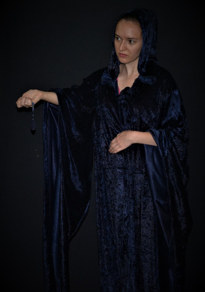 Kaitlyn as tuath dé danann for Rita Walker argillite stone (2)