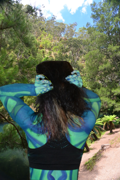 Blue Mountain Jenolan Caves Australia by Peter Samuel Rita Walker bodypaint by Alannah Morrison 3 (8)